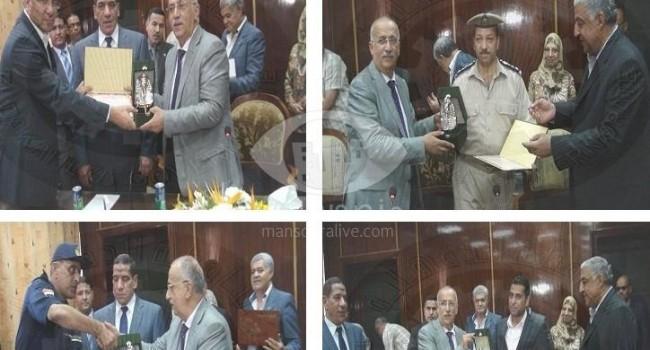 الشوادفى يكرم ضباط الشرطة المتميزين ومستشفى الباطنة الجامعى لحصوله على الايزو