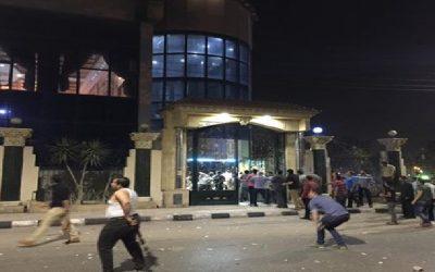 بالصور بلطجية يقتحمون مقر نقابة المحامين بمدينة طلخا ويحطمون محتوياته