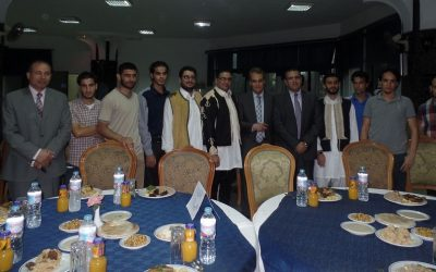 رئيس جامعة المنصورة يشارك الطلاب الوافدين افطارا جماعيا