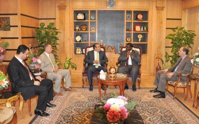 نائب رئيس البرلمان العربي في ضيافة جامعة المنصورة لبحث سبل التعاون