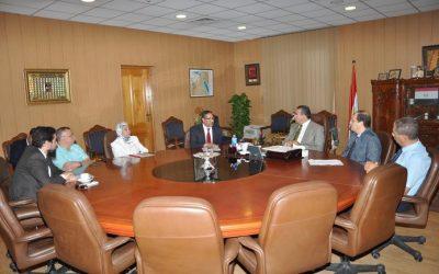 رئيس جامعة المنصورة يناقش الخطة الزمنية لافتتاح وحدة زرع نخاع الأطفال