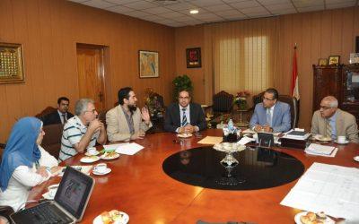 رئيس جامعة المنصورة يبحث توسعة مستشفى الأطفال الجامعى