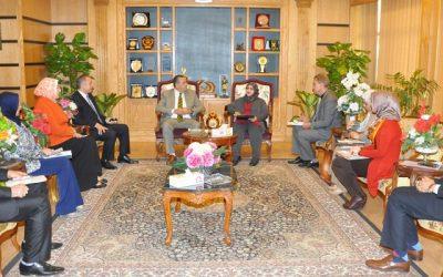 رئيس جامعة المنصورة يستقبل الملحق الثقافى العمانى