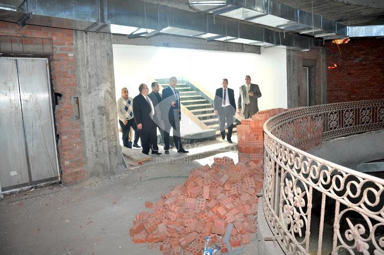 رئيس جامعة المنصورة يتفقد الانشاءات الجديدة بفندق الجامعة